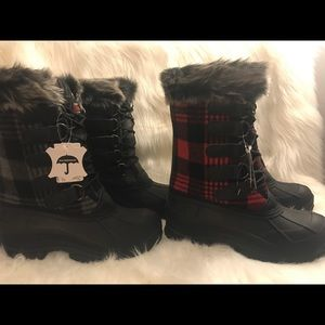 Shoes - Brand New Water Proof Plaid black boot size